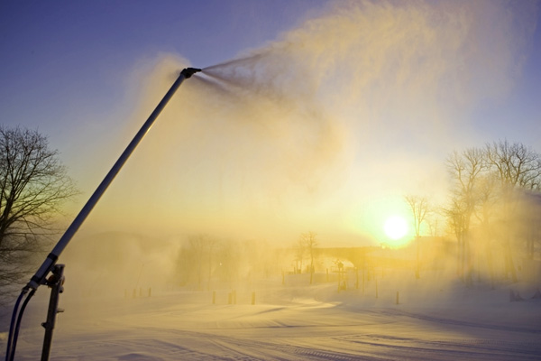 tough-seal-snow-making-600x400